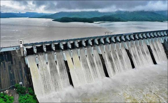 નર્મદા બંધનાં ઉપરવાસમાં સારા વરસાદને કારણે સરદાર સરોવર ડેમમાં પાણીની આવકમાં વધારો : આજે સવારે 9 વાગ્યેે પાણીની આવક 22,772 ક્યુસેક થતા જળ સપાટી 11 સેમી વધી