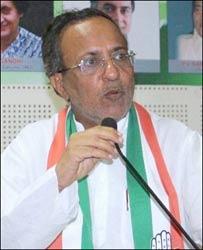 અડધા ગુજરાતે મફત અનાજ ખાધુ હોવાનું જુઠાણું ચલાવી ભાજપ સરકારે ગુજરાતની જનતાની ખુદ્દારીનું અપમાન કર્યુ