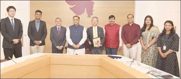 લિથિયમ- આર્યન બેટરીના ઉત્પાદનમાં ગુજરાત ગ્લોબલ મેન્યૂફેકચરીંગ હબ બનશે :મુખ્યમંત્રીની હાજરીમાં MOU