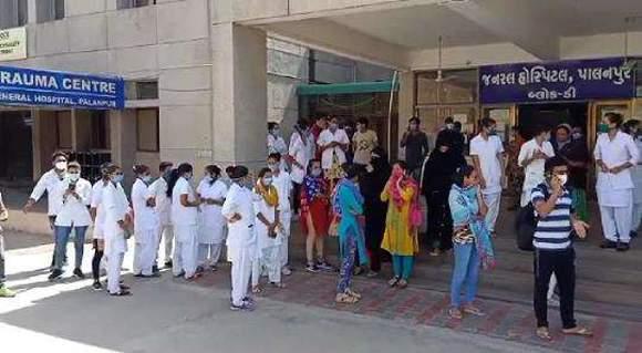 કોરોનાના કહેર વચ્ચે પાલનપુર સિવિલ હોસ્પિટલમાં નર્સિંગ સ્ટાફની હડતાલ