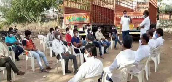 હિંમતનગરમાં ઉલટીગંગા: ભાજપના 30 નારાજ  કાર્યકરોએ રાજીનામાં આપીને કોંગ્રેસમાં જોડાયા