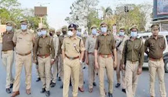 ક્લસ્ટર વિસ્તારના મહિધરપુરાનું હીરા માર્કેટ પોલીસે બંધ કરાવ્યું