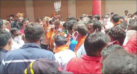 પંચમહાલના શહેરામાં કોંગ્રેસ છોડી  200થી વધુ કાર્યકરો સાથે અગ્રણી નેતાઓ ભાજપમાં જોડાયા