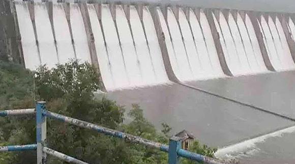 સરદાર સરોવર નર્મદા યોજના અન્વયે મધ્યપ્રદેશ, મહારાષ્ટ્ર અને રાજસ્થાન પાસેથી ગુજરાતને  6934.19 કરોડ વસુલવાના બાકી