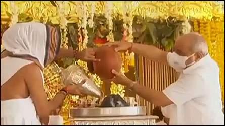 અમદાવાદમાં ભગવાન જગન્નાથજી મંદિરની અષાઢી બીજની રથયાત્રાને પગલે મીટીંગનો દોર પૂર્ણઃ ૧૦૮ના બદલે ૫ કળશ સાથે જળયાત્રા યોજાશેઃ નાયબ મુખ્યમંત્રી અને ગૃહમંત્રી હાજર રહેશે