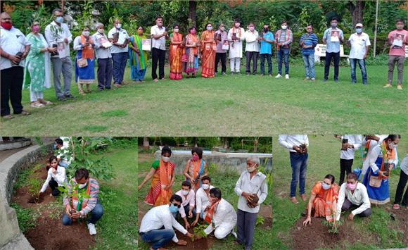 રાજપીપળા ગાર્ડનમાં ડૉ.શ્યામાપ્રસાદ મુખર્જીના સ્મૃતિ દિવસે ભાજપ કાર્યકરો દ્વાર વૃક્ષારોપણ કાર્યક્રમ યોજાયો