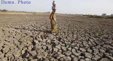 છેલ્લા અઠવાડિયાથી બનાસકાંઠાના કેટલાય ગામોમાં પાણી માટે વલખા મારી રહેલા લોકોની તંત્રને ભૂખ હડતાલ પર ઉતરવાની ચીમકી