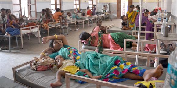 બોરસદની છેવાડાની સોસાયટીઓમાં રોગચાળો વકર્યો તાવ અને ઝાડા-ઉલ્ટીના રોગો:ઘેર-ઘેર માંદગીના ખાટલા