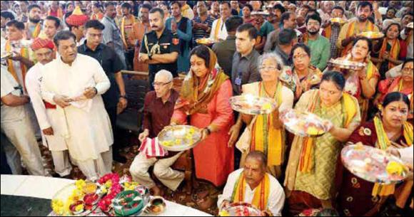 ભગવાન જગન્નાથજી નિજ મંદિરે પરત :મેયર બિજલબેનના હસ્તે ધ્વજારોહણ