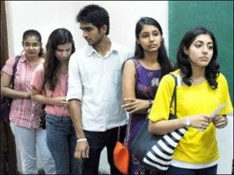રાજ્યમાં સીટો ભરવા એન્જિનિયરિંગ  કોલેજો આપે છે  લલચામણી ઓફર