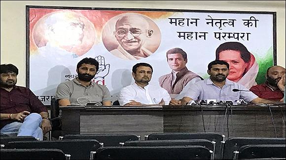 રાહુલ ગાંધીના આદેશ બાદ યુથ કોંગ્રેસ દ્વારા નફરત છોડો, દેશ બચાવો રેલી યોજાશેઃ કાલે સાબરમતી આશ્રમથી પ્રસ્થાનઃ ગુજરાત-રાજસ્થાન-હરિયાણા થઇને દિલ્હી પહોંચશે