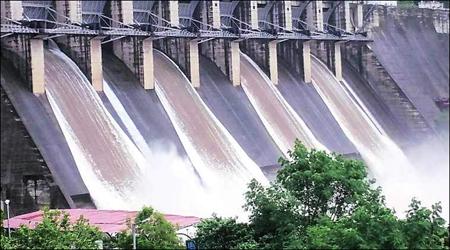નર્મદા ડેમની જળસપાટીમાં સતત વધારો ;સપાટી 111,98 મીટરે પહોંચી