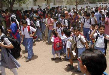 અંગ્રેજી - હિન્દી માધ્યમની સ્કુલોમાં ભણાવાશે 'કલકલિયો' અને 'બુલબુલ'