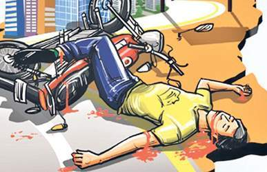 અમીરગઢ રેલવે ફાટક નજીક ટ્રંકની ઠોકરે બાઇક સવાર દંપતી ખંડિત :પતિનું મોત :પત્ની ગંભીર