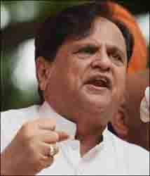કોંગ્રેસ ગુજરાતમાં બે આંકમાં બેઠકો મેળવશે : એહમદ પટેલ