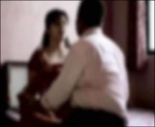 અમદાવાદના નારોલમાં શારીરિક સંબંધની ના પાડતા પતિ ઉશ્કેરાયો :પત્નીને ઢોર માર માર્યો