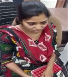 અમદાવાદમાં મહિલા તલાટી 4 હજારની લાંચ લેતા  ઝડપાયા:મેમનગરમાં એસીબીના છટકામાં સપડાયા