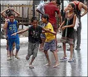 શામળાજીમાં વાવાઝોડા સાથે વરસાદ :પતરાનો શેડ પડતા દીવાલ ધરાશાયી :એક વ્યક્તિ દબાયો