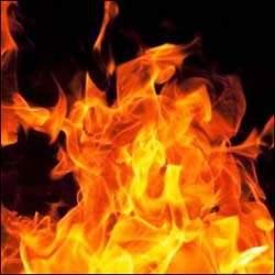 પ્રહલાદનગર : કોમ્પ્લેક્સના ભોંયરામાં પ્રચંડ આગ લાગી