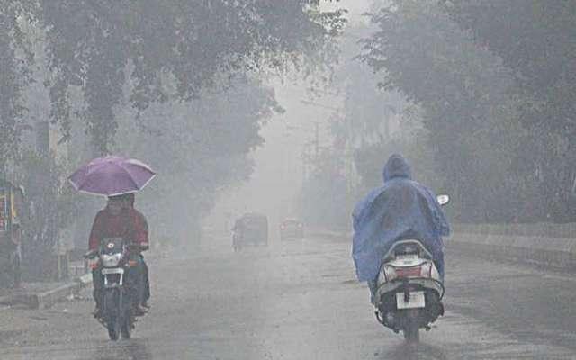 સાબરકાંઠા જિલ્લામાં ધમાકેદાર વરસાદ એન્ટ્રી: દિવસભર બફારા વચ્ચે વાતવરણમાં ઠંડક પ્રસરી