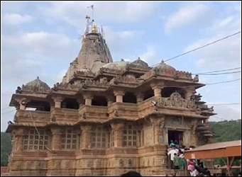 ચંદ્રગ્રહણ વખતે ગુજરાતના શામળાજીનું એકમાત્ર મંદિર ખુલ્લુ રહે છેઃ રાત્રિના પણ ભાવિકો દર્શન કરી શકે છે