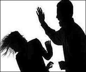 વડોદરાના વાસણા કોતરીયા ગામે યુવતીની મરજી વિરુદ્ધ પતિએ ગર્ભાશયની કોથળી કઢાવી નાખતા પોલીસ ફરિયાદ