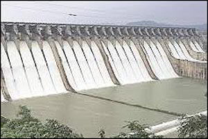 નર્મદા ડેમમાં દર સેકન્ડે ૩પાા લાખ લીટર પાણીની આવકઃ આજે અભૂતપૂર્વ ૧૩૩.૩૩ મીટર સપાટી