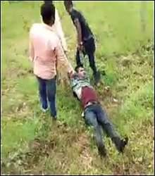 ઝાલોદમાં શિક્ષકાના અછોડાની ચીલઝડપ્ કરી ભાગી રહેલ ચોરને પકડી લોકોએ માયો