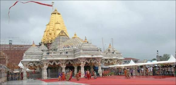 કાલથી ગુજરાતના પ્રખ્યાત યાત્રાધામ અંબાજી મંદિરમાં ભાદરવી પૂનમનો મહામેળોઃ ૨પથી ૩૦ લાખ ભાવિકો ઉમટશેઃ ૧૪મી સુધી આરતી અને દર્શનના સમયમાં ફેરફાર