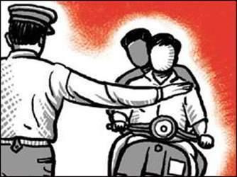 ટ્રાફિકના નિયમો પોલીસના કર્મીઓ જ પાળી રહ્યા નથી