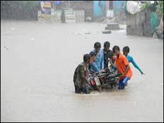 પાલનપુરમાં એક કલાકમાં 2 ઈંચ વરસાદ ખાબક્યો : નીચાણવાળા અનેક વિસ્તારોમાં પાણી ભરાયા