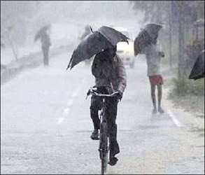 છોટાઉદેપુરમાં દિવસભરના ઉકળાટ બાદ ભારે પવન સાથે ગાજવીજ વરસાદ : બોડેલીમાં પણ જોરદાર વરસાદ : દાહોદના ધાનપુરમાં ધોધમાર તૂટી પડ્યો
