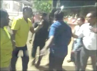 પાલનપુરમાં  રસ્તા પ્રશ્ને રજૂઆત કરતા નાગરિકો પર ભાજપ નગરસેવકની દબંગાઈ : જીવલેણ હુમલો કર્યો