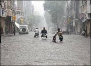 રાજ્યમાં 33 જિલ્લાના 213 તાલુકામાં વરસાદ: અનેક પંથક ધોધમાર વરસાદ અને જળબંબાકાર જેવી સ્થિતિ