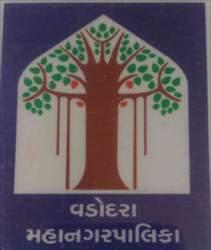 વડોદરા: અટલાદરા-માંજલપુરના બ્રિજને જોડતા રોડ પર મસમોટા ખાડા પડતા પુરાણનો ખર્ચ કોર્પોરેશનને 9.34 લાખમાં પડયો