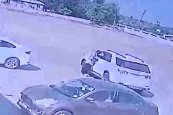 મર્ડર કેસનો આરોપી હિતેન્દ્રસિંહ ઝાલા પોલીસ જાપ્તામાંથી ફરાર  થતા સાત પોલીસકર્મી સામે ફરિયાદ: પોલીસબેડામાં ચકચાર