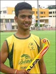 વડોદરામાં સ્પોર્ટસ્ ઓથોરીટી ઓફ ગુજરાત હોકી ટીમના ખેલાડીએ મિત્રના ઘરમાં ગળેફાંસો ખાઈને કર્યો આપઘાત