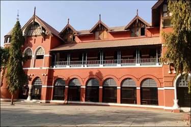 અમદાવાદમાં  ગુજરાત કોલેજની હોસ્ટેલમાં મૂળ સુરેન્દ્રનગરના વિદ્યાર્થી વિરમ ભાટીયાનો આપઘાત