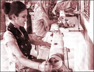 ગ્રામીણ મહિલાઓ તૈયાર કરી રહી છે સવા ત્રણ લાખ માસ્ક