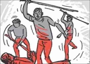 ગાંધીનગર શહેર નજીક પેથાપુરમાં જવેલર્સને ત્યાં બાકી નીકળતા પૈસા લેવા ગયેલ વેપારી પર જીવલેણ હુમલો થતા પોલીસ ફરિયાદ