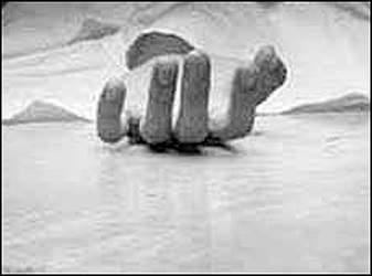 વડોદરાના અલકાપુરી વિસ્તારમાં હોટલમાં પાંચમા માળેથી અસ્થિર મગજના યુવકે પડતું મુકતા અરેરાટી