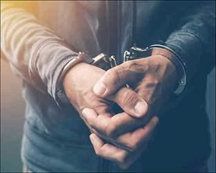 સુરતના રિંગરોડ પર એડવાન્સમાં 5 ટકા ઓછા ભાવની લાલચ આપી 65.47 લાખનો ચૂનો લગાવનાર વેપારીની પોલીસે ફરિયાદના આધારે ધરપકડ કરી