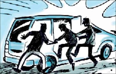 તારાપુર તાલુકાના મહિયારી ગામે શિક્ષકનું અપહરણ કરી ત્રણ શખ્સોએ લૂંટ ચલાવતા ચકચાર મચી જવા પામ્યો
