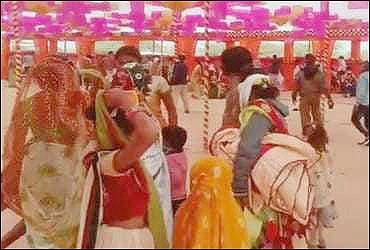 સાકવા ગામમાં દીકરાના લગ્નમાં 200થી વધુ માણસો એકઠા કરનાર વિરુદ્ધ જાહેરનામા ભંગનો ગુનો દાખલ
