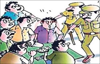 રાજપીપળા વડફળીયામાં જુગાર રમતા 5 શખ્સોને રૂ.૧૦,૬૩૦ સાથે પોલીસે ઝડપી પાડ્યા: 2 નાશી છૂટ્યા