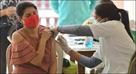 ડોઝની તંગીઃ સમગ્ર ગુજરાતમાં ૧૮+ના રસીકરણ માટે જૂન મહિના સુધી જોવી પડશે રાહ