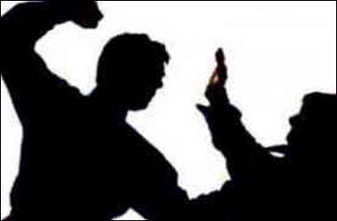 વડોદરાના મકરપુરા વિસ્તારમાં માતાએ તંબાકુ ખાવાના પૈસા ન આપતા ઉશ્કેરાયેલ પુત્રએ માતાને ઢોરમાર મારતા અરેરાટી મચી જવા પામી