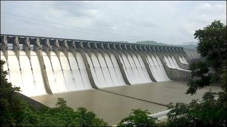 રાજ્યમાં 29 ટકા પાણીનો જથ્થો બચ્યો :નર્મદા ડેમમાં 32 ટકા અને અન્ય ડેમોમાં 27 ટકા જળ જથ્થો સંગ્રહિત